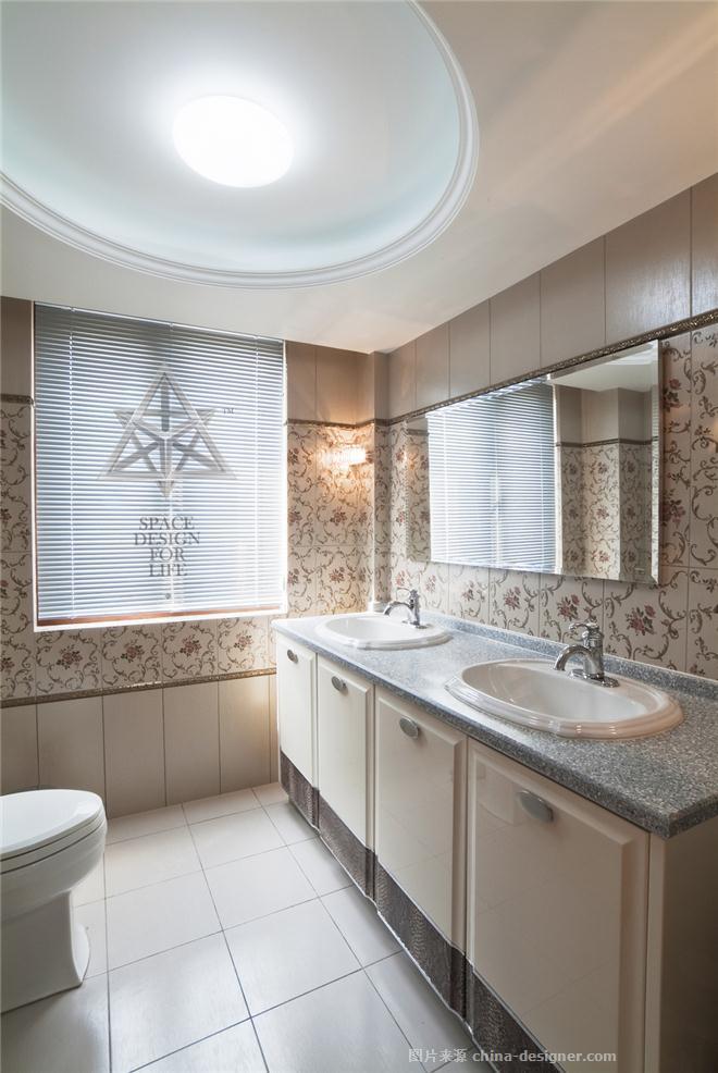 欧式田园风格厕所门图片