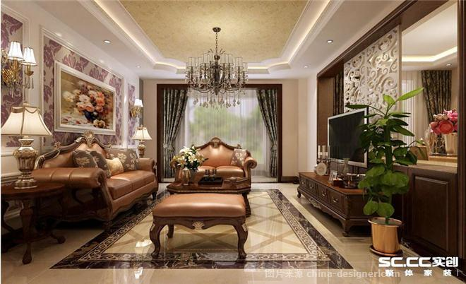 欧式沙发与护墙板的合理运用使整体设计看来起高端有